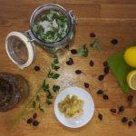 vitamin C, šípek, tymián, meduňka, bylinky, kysané zelí